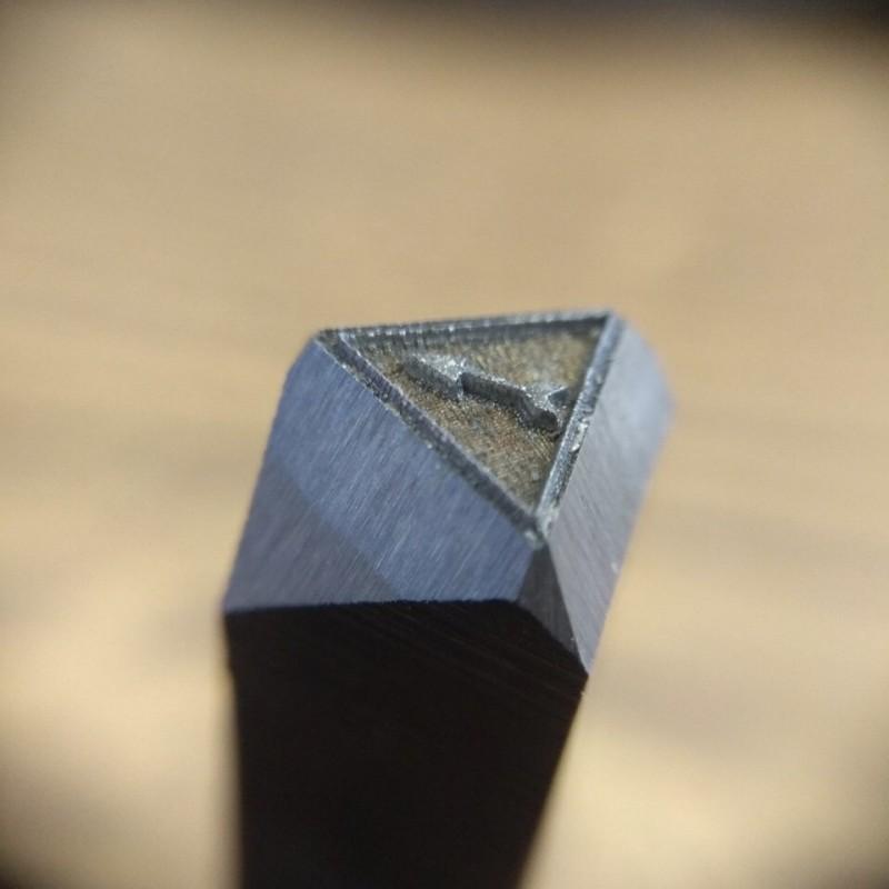 Ударный штамп для маркировки металла
